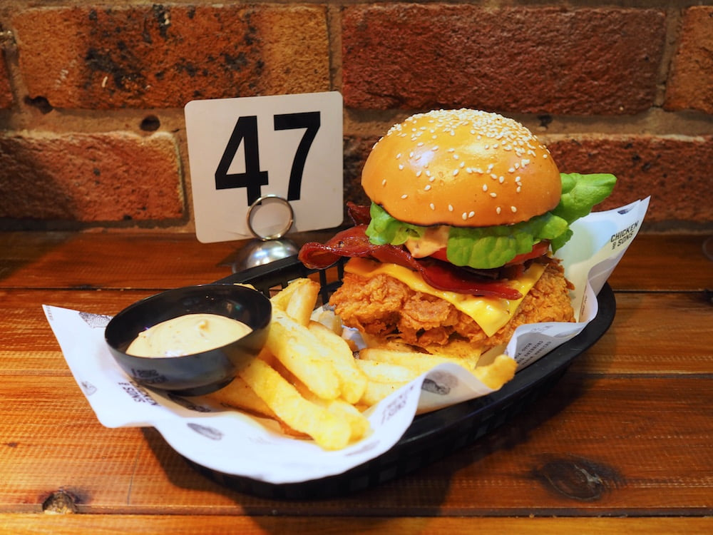 CHICKEN AND SONS BURGER