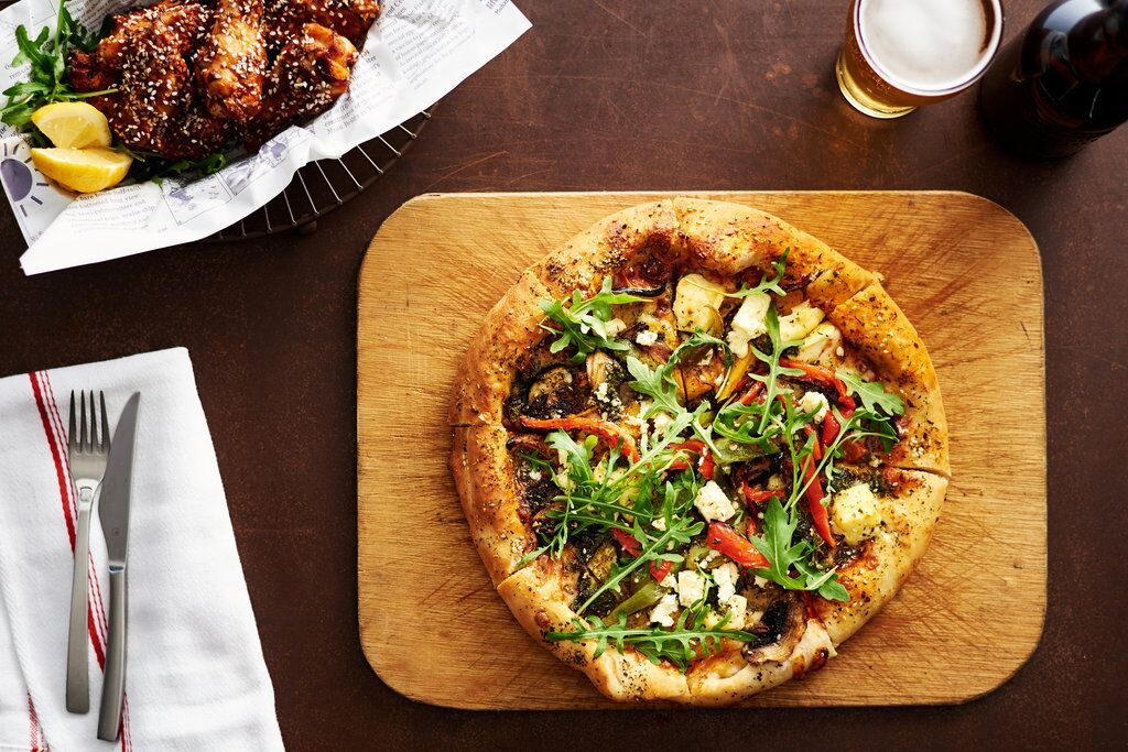 The New Britannia - vegetarian pizza