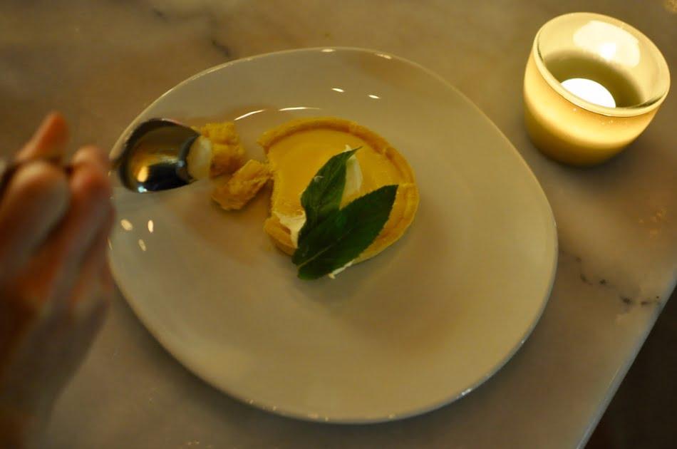 hotel ravesis lemon tart