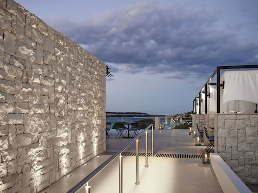 Rooftop-Pool-loung-InterContinental Sydney Double Bay
