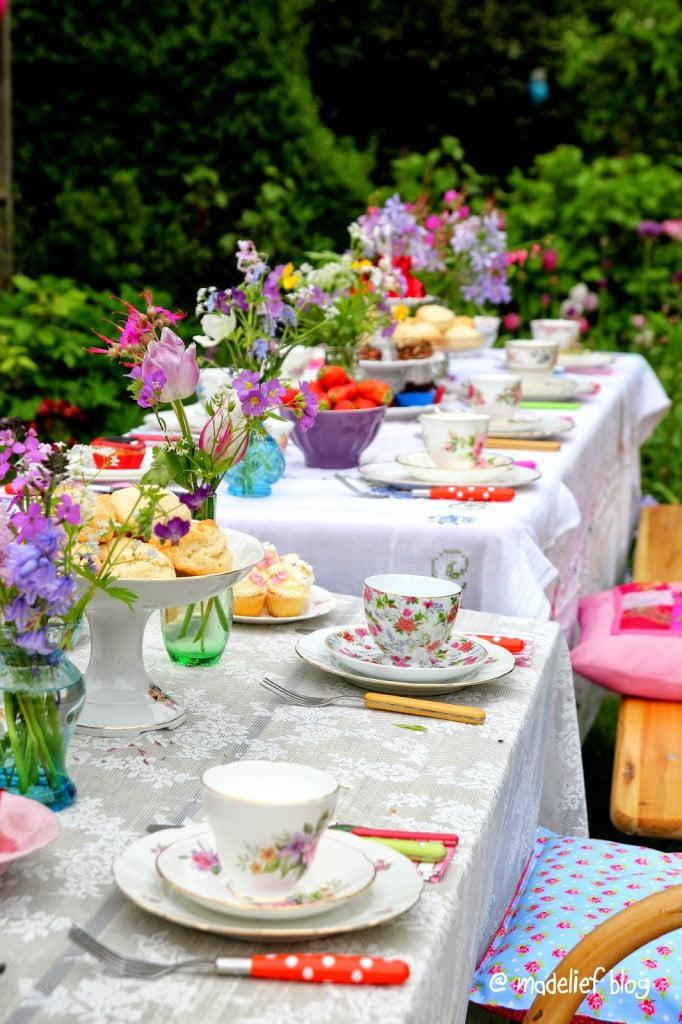 Play Garden Party