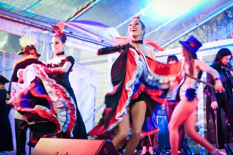 bastille-day-cancan-dancers