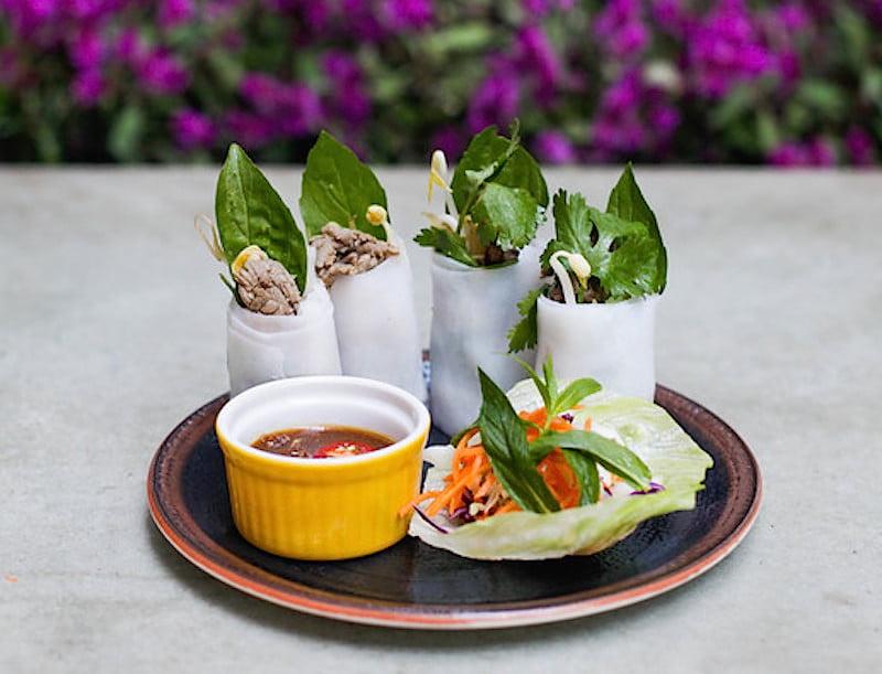mama's-buoi-ricepaper rolls