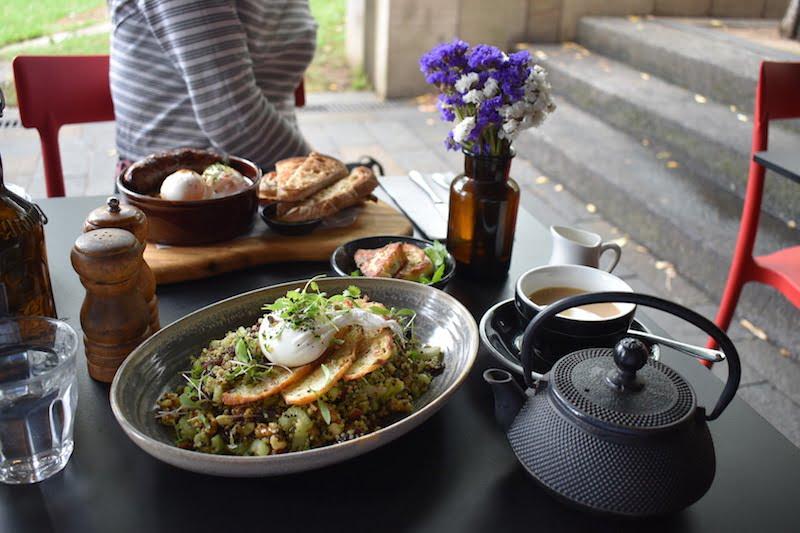 Social Brew breakfast