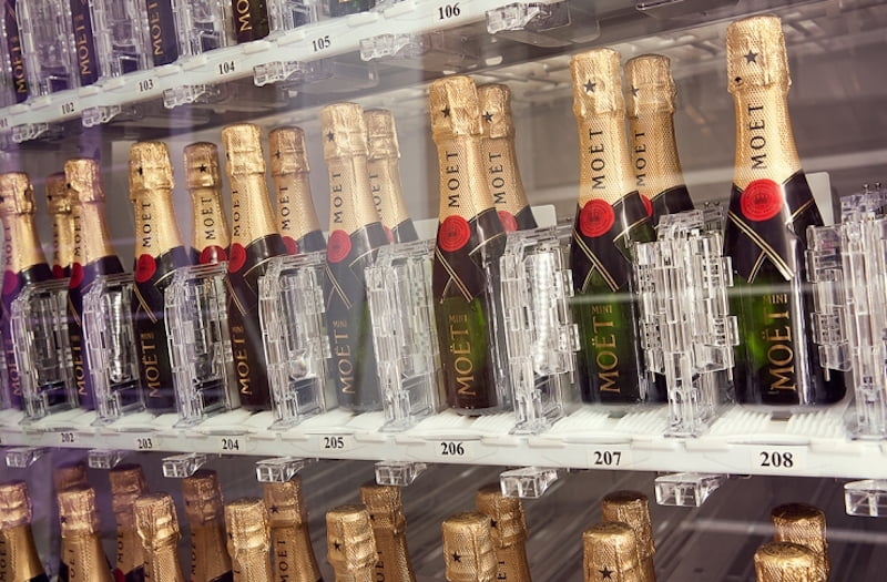 moet vending machine