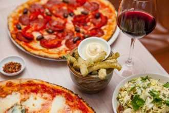 Italian bar pizza