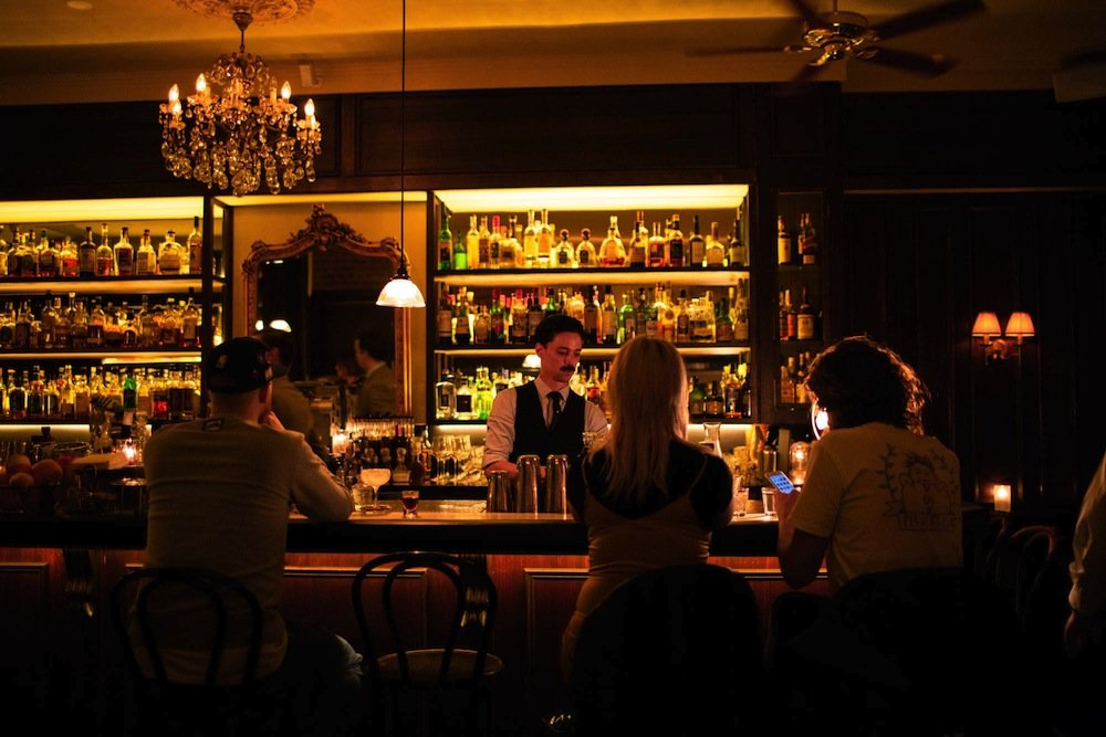 drinking history tours-the everleigh
